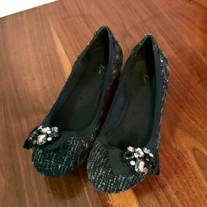 Simply Vera Tweed Jewel Accent Flats EUC 8